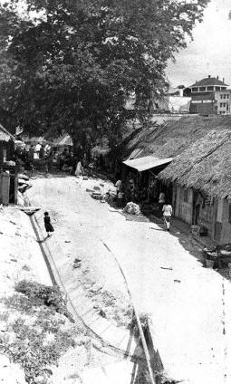 a kampong at alexandra rd 1956a
