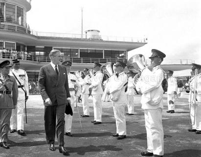 british foreign secretary sir anthony eden at kallang airport 26021955b