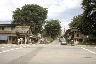 chong pang village 1985n_mast2_sm
