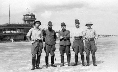 japanese soldiers at kallang airport 1942a