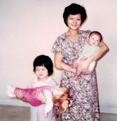 mum_with_may_wei_doll_sm