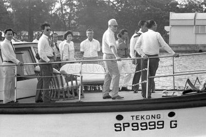 pm lee kuan yew inspect kallang river