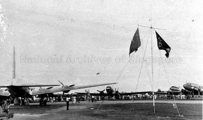 singapore air display at kallang airport 1949d