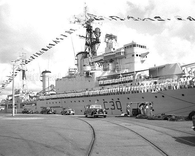 prince-philip-visit-naval-base-24021959c